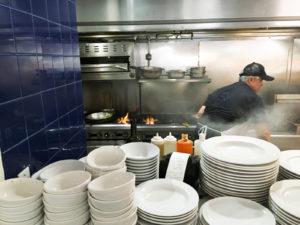 La cocina se encuentra a la vista de todo el mundo,